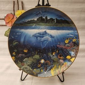 """""""Discovery Off Anahola"""" Porcelain Plate"""